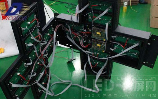 德彩光电成功研发十字架显示屏